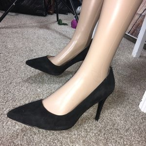 HELLO SOLE MATES BANANA REPUBLIC BLACK PUMPS-9 1/2